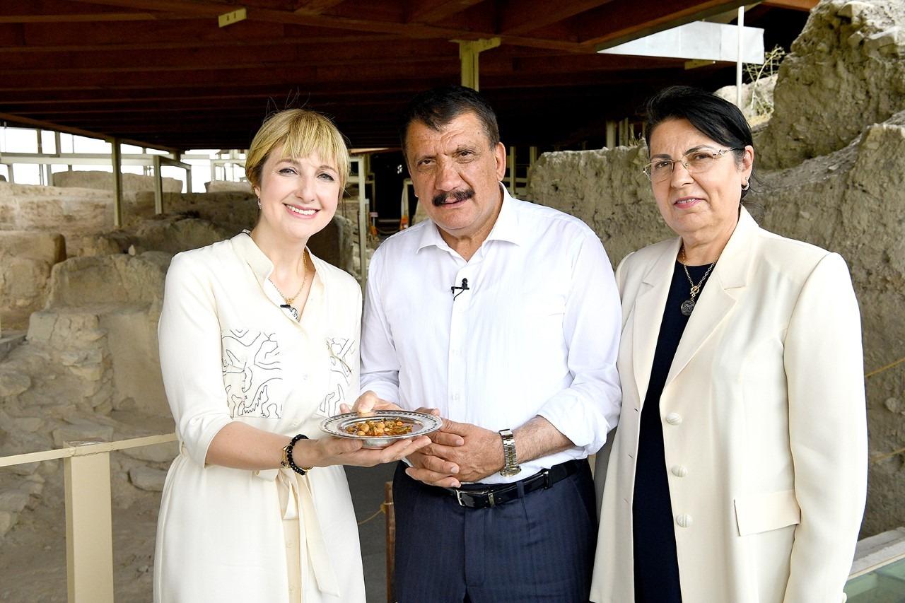 Başkan Gürkan, Tv Programında Arslantepe'yi Tanıttı