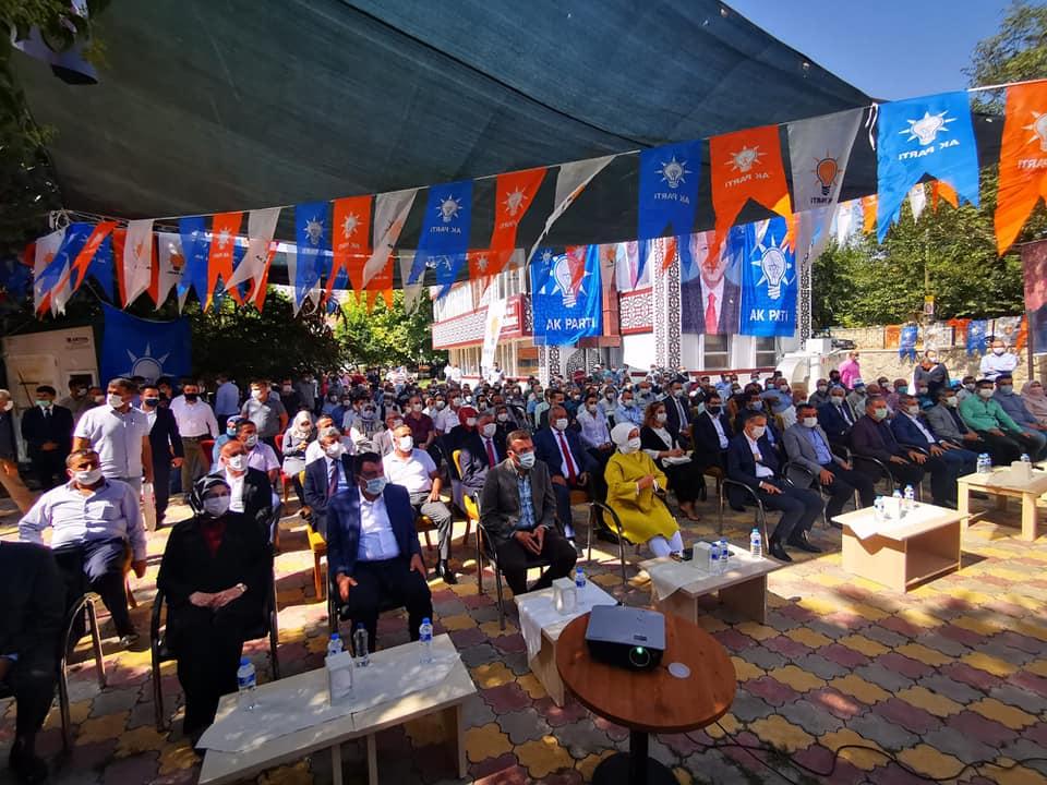 Akçadağ'da Ak Parti İlçe Başkanlığını Nuri Karadaş Kazandı