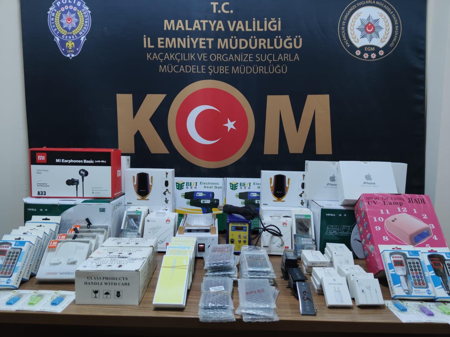 Kaçak Cep telefonu Aksesuarı Ele geçirildi