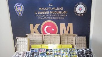 Malatya'da Kaçak Sigara Sarma Kağıdı Yakalandı
