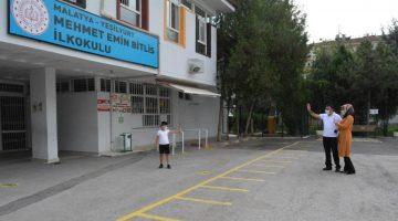 Malatya'da Maskeli,Sosyal Mesafeli Yeni Öğretim Yılı Başladı