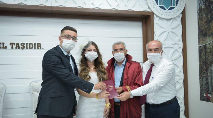 Koronavirüs Battalgazi'de Aşıkları Durdurmadı