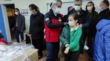 Kızılay Malatya Şubesi 350 Genci Giydirdi