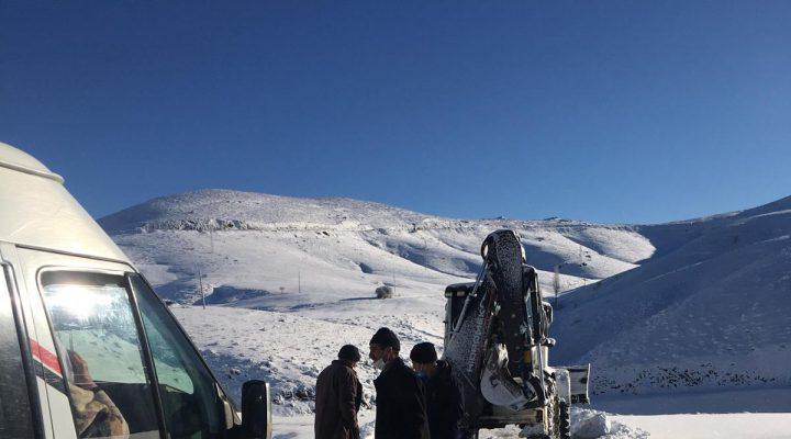 Büyükşehir Belediyesi'nden Yoğun Kar Mesaisi