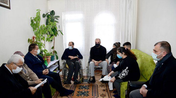 Başkan Gürkan Kent Konseyi İle Birlikte Engelli Gençleri Ziyaret Etti