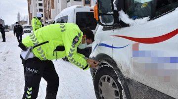 Doğanşehir Trafik'inden Kar Lastiği Denetimi