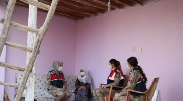 Jandarma'dan Anlamlı Ziyaret
