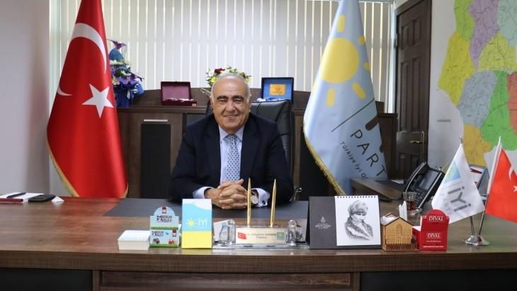 """İYİ  Parti İl Başkanı Sarıbaş :""""İş Yerleri Kapalı, Ak Parti Kongreleri Tıklım Tıklım """""""