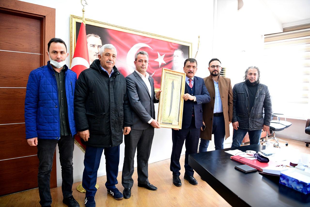 Sarıcıoğlu Mahalle Muhtarından Başkan Gürkan'a Teşekkür Ziyareti