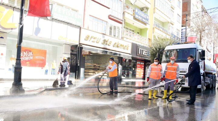 Başkan Gürkan, Temizlik ve Dezenfekte Çalışmalarına Katıldı