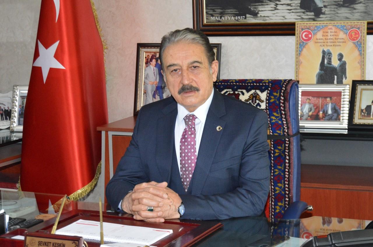 """Keskin: """"Esnaf 3 harflilerden kurtulmak isterken, devlet 3 harfli PTT'yi market yaptı"""""""
