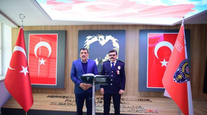 Başkan Gürkan Polis Teşkilatının 176. Kuruluş Yılı dolayısıyla İl Emniyet Müdürü Ercan Dağdeviren'i ziyaret etti