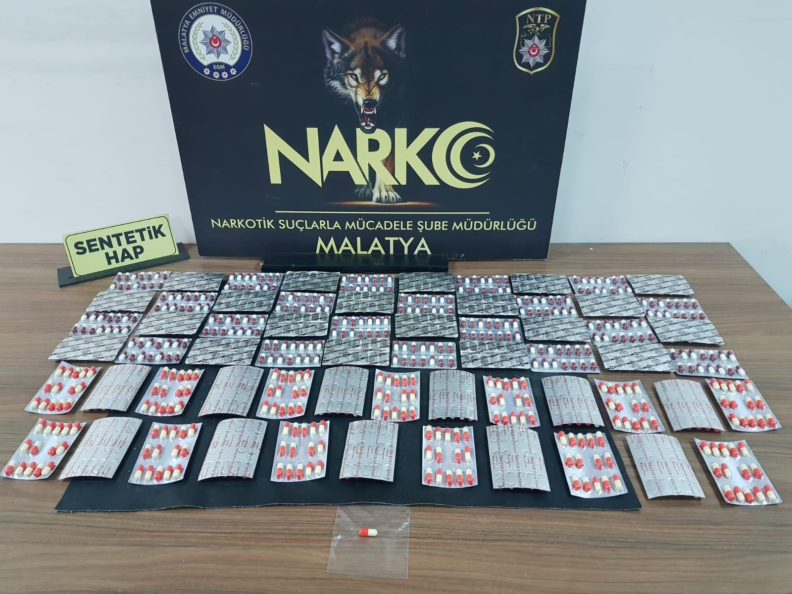 Narkotik 3 Sokak Satıcısını Yakaladı