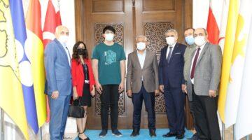 """Başkan Güder """"Göğsümüzü kabartan Feridun Balaban evladımızı tebrik ediyoruz"""""""