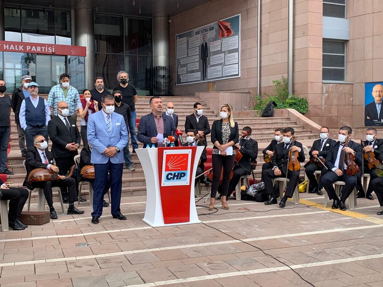 CHP'li Ağbaba, Müzisyenlerle Basın Toplantısı Düzenledi