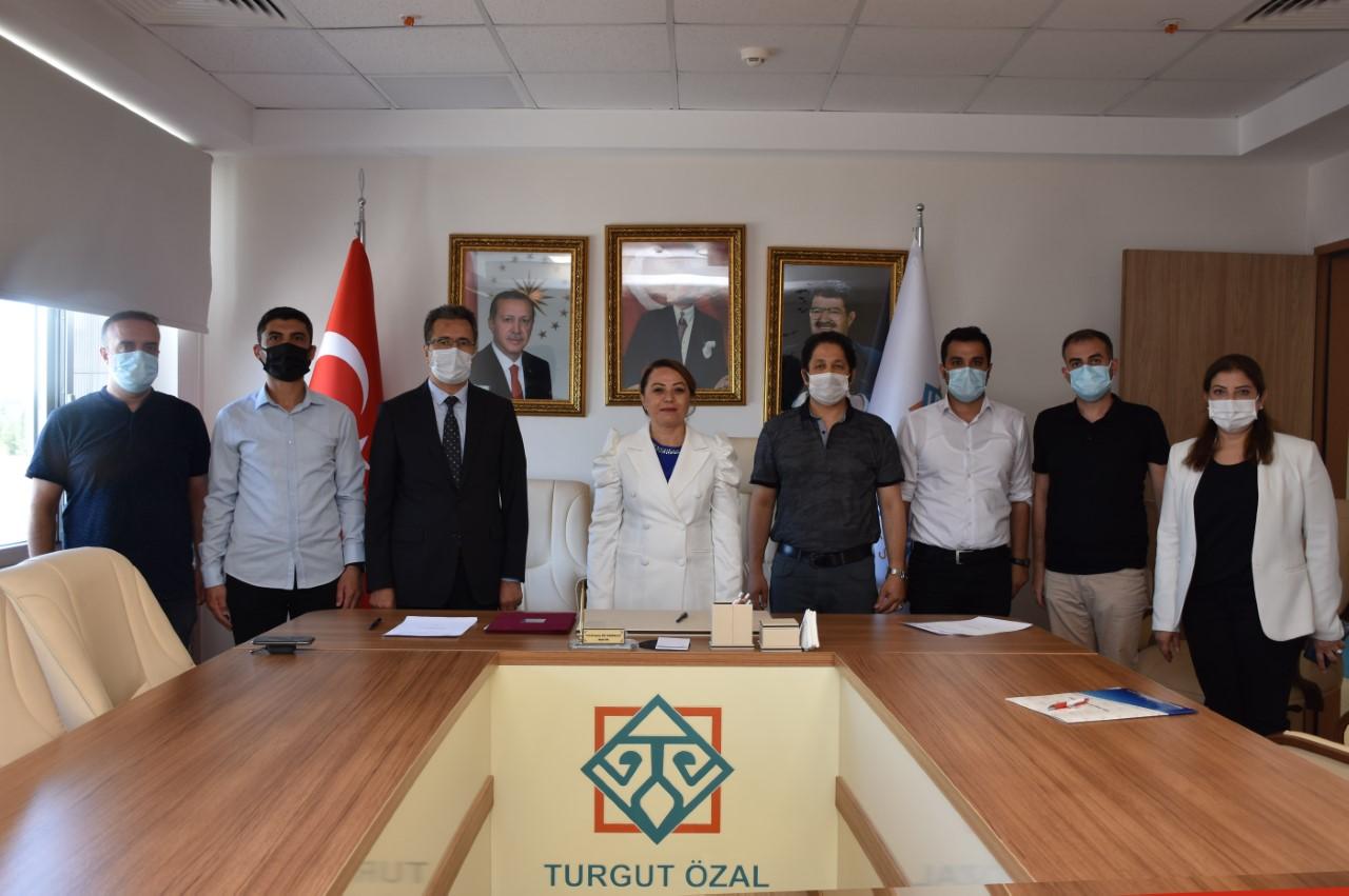 """MTÜ ve Sanayi ve Teknoloji İl Müdürlüğü Arasında """"Kamu-Üniversite-Sanayi İş birliği"""" Protokolü"""