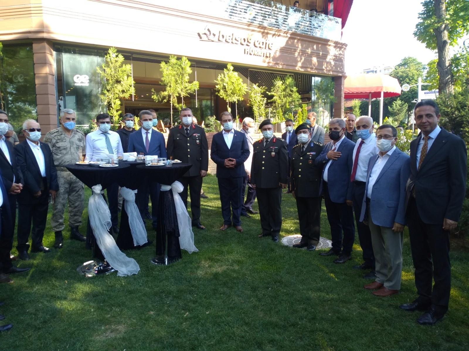 Malatya'da Resmi Bayramlaşma töreninde Vali Baruş; Halkı aşı olmaya davet etti