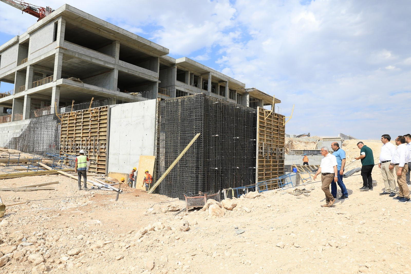 """Başkan Güder: """"Battalgazi'mize Modern Bir Okul Daha Yapılıyor"""""""