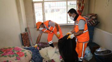 Battalgazi'de Çöp Ev Temizlendi, Evden İki Kamyon Çöp Toplandı