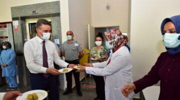 Bayramda Kolluk Kuvvetleri ve Sağlık Çalışanları Ziyaret Edildi