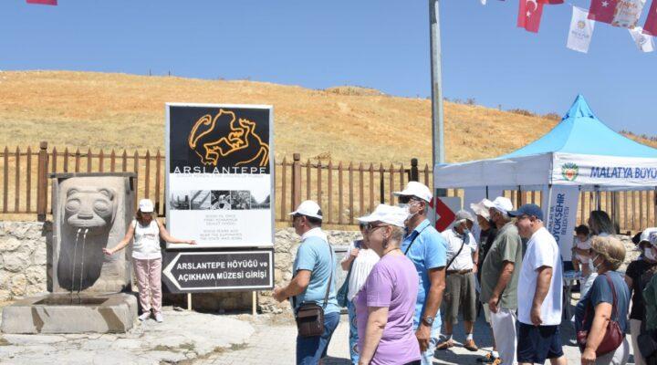 Arslantepe Höyüğü  İlk Turist Kafilesini Ağırladı