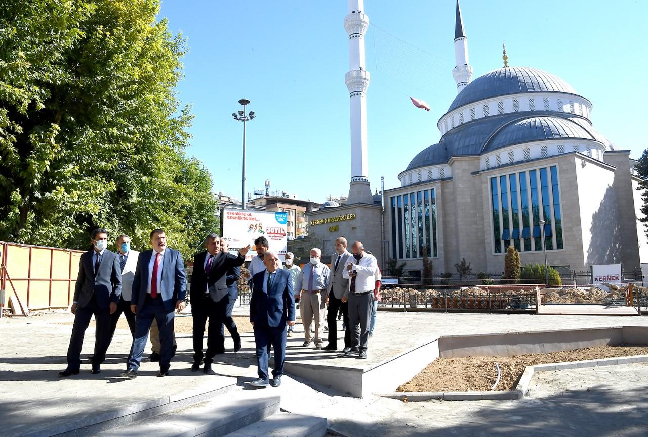 """Başkan Gürkan """"Kernek Meydanı Malatya'nın Belleği ve Hafızasıdır"""""""