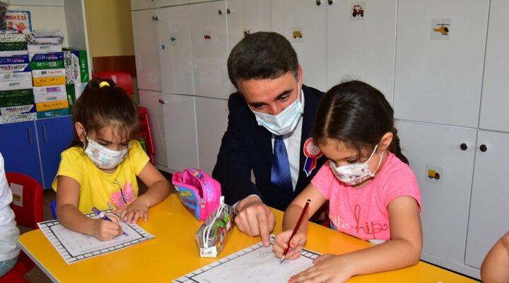 2021-2022 Eğitim Öğretim Yılı AçılışıNiyazi Mısri İlkokulu'nda Düzenlendi