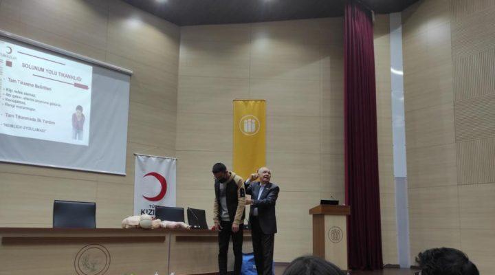 Malatya Kızılay Şubesinden Eczacılık Fakültesinde İlk Yardım konferansı