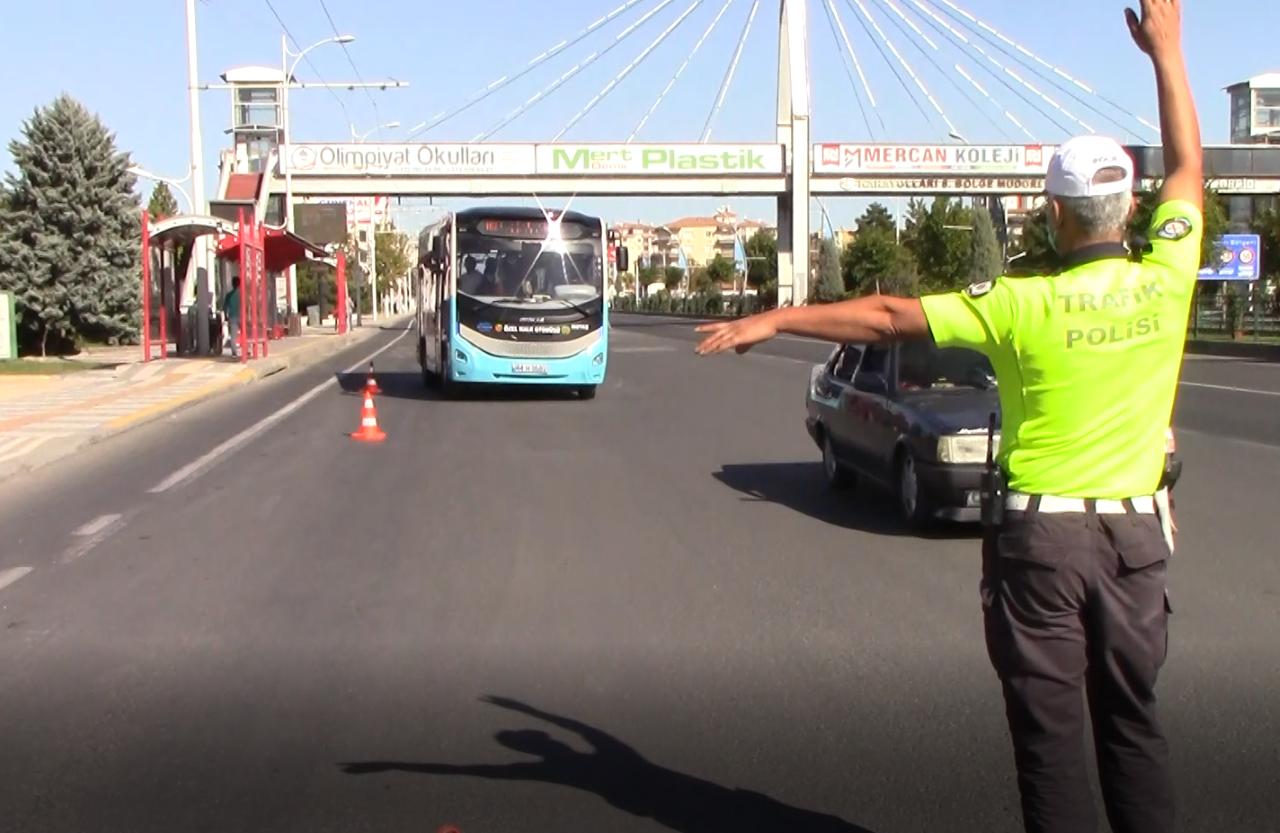 Malatya Trafik Şube'den Özel Denetim. Kuralları İhlal Edenlere Ceza Yağdı