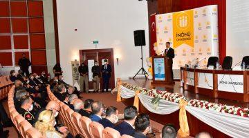 """Vali Baruş, Uluslararası Kamu Yönetimi Forumu """"Terör"""" Konulu Panele Katıldı"""